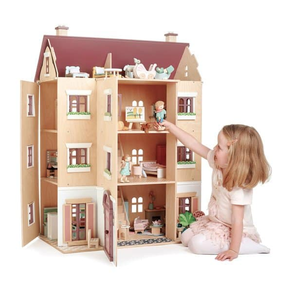 Best dollhouse to splurge on: Tender Leaf Toys Fantail Hall