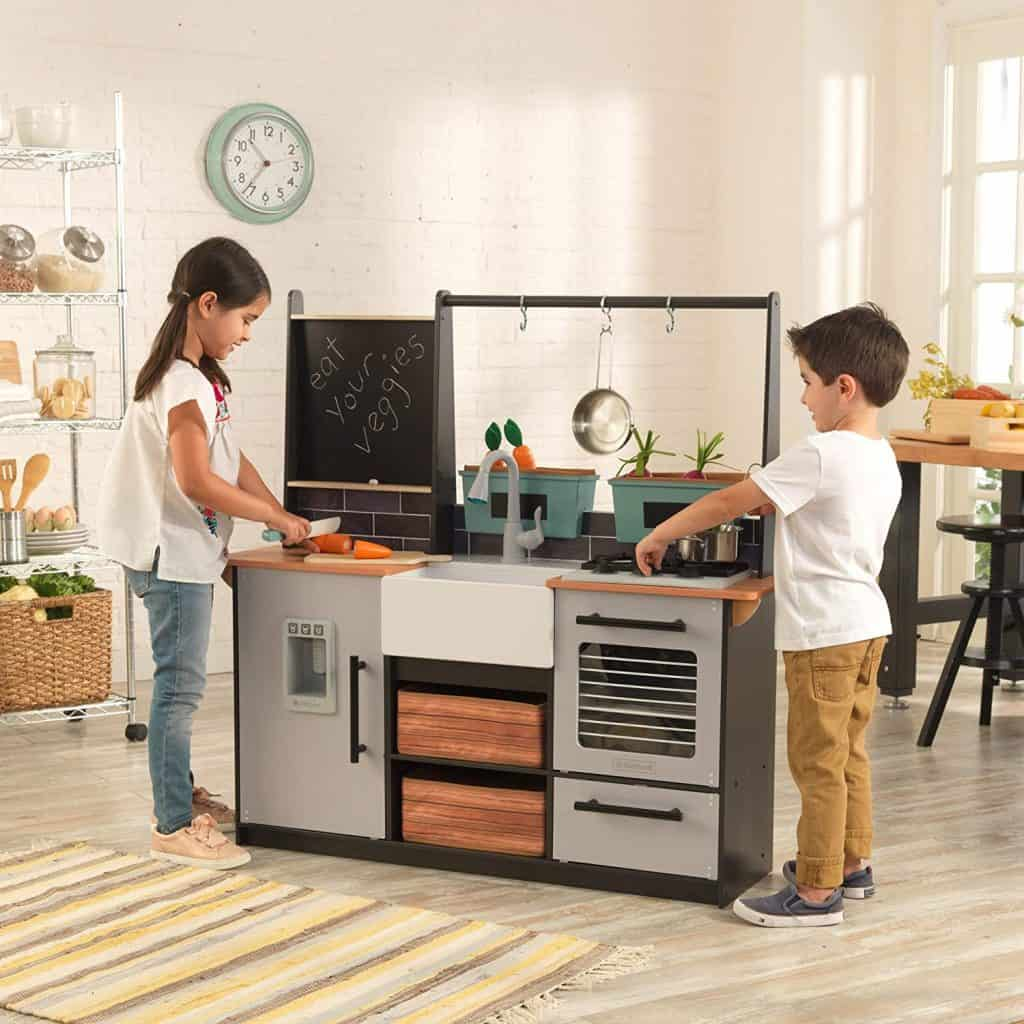 KidKraft Wooden Farm to Table Play Kitchen with EZ Kraft Assembly